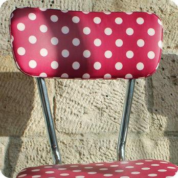 Meubles vintage chaises fauteuils paire de chaises for Cuisine des annees 60
